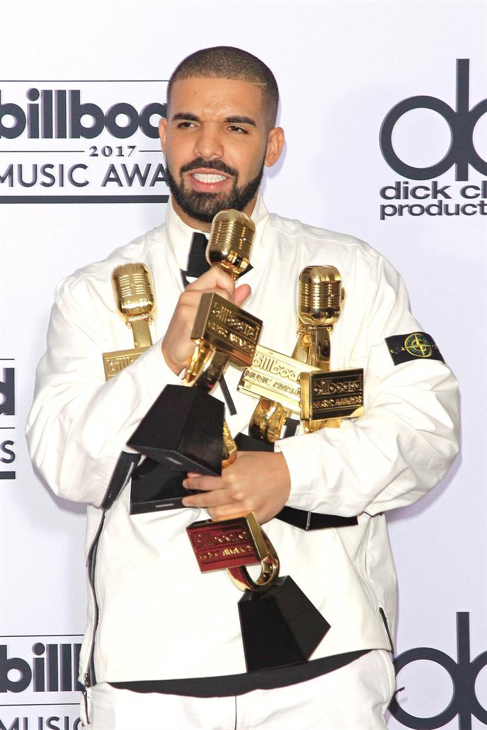 Drake breaks the Beatles record with 7 songs in the Billboard Top 10