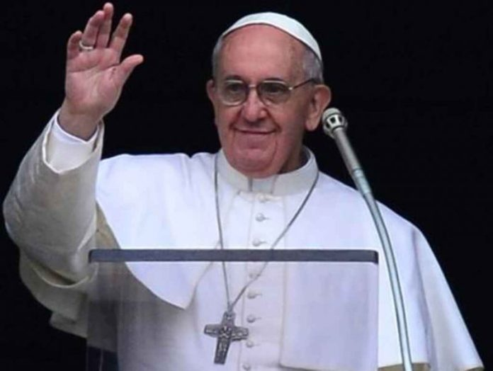 """Pope praises the people of Mozambique for not having left the """"last word"""" to hate and violence"""