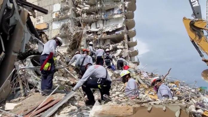 Voluntary evacuation of the twin building that collapsed in Florida begins