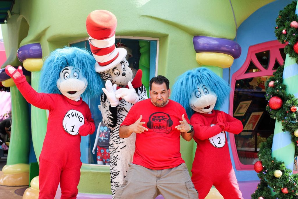 Universal's Islands of Adventure dr seuss seuss landing islands of adventure universal studios resort orlando florida family vacation travel trip mommy blog mom blogger family blog family influencer instagram mother father tween blog dad blog travel family blog United States family travel blogs 2017 website sites mom blog top best toddlers beach tips budget mommy blogger daddy blog tween blogger child brand influencer the super mom life dad blog dad blogger