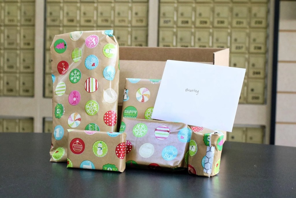 shipping made easy the ups store shipping holiday gifts ship christmas hanukkah christmas holidays mommy blog mom blogger family blog family influencer instagram mother father tween blog dad blog travel family blog United States family travel blogs 2017 website sites mom blog top best toddlers beach tips budget mommy blogger daddy blog tween blogger child brand influencer the super mom life dad blog dad blogger christmas presents ups