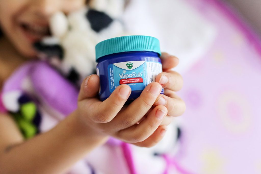 vicks vaporub, cough, kids cough, cough relief for kids, congestion relief, vicks, staying healthy, 2018, mom blogger, blog, healthy lifestyle, healthy blogger