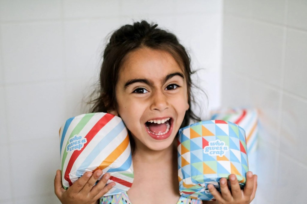 who gives a crap, toilet paper, best toilet paper brand, companies that give back, mommy blog, mom blogger, family blog, family influencer, instagram, mother, father, tween blog, dad blog, United States, 2018, mom blog, top, best, mommy blogger, daddy blog, tween blogger, child brand influencer, the super mom life, dad blog, dad blogger