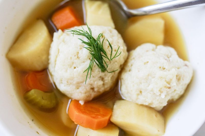 matzo ball soup, vegetarian, vegetarian recipes, vegetarian matzo ball soup, meatless meals, vegetable soup, recipe, recipes, kid foods, mom blog, mom blogger, mom bloggers, mom blogs, family friendly dishes, recipes, recipe, food blog, food bloggers