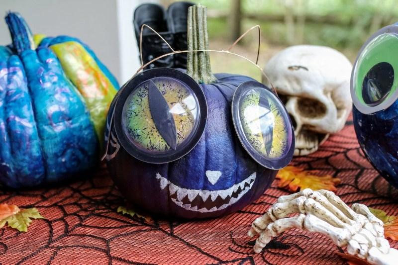 halloween traditions, pumpkin patch, pumpkin decorating, trick or treating, halloween treats, halloween candy, family halloween, halloween friendly activities, mom blog, mom blogger, mommy blog, mommy blogger, 2018, family blog, parenting blog, the super mom life, thesupermomlife, parenting blogger, family blogger