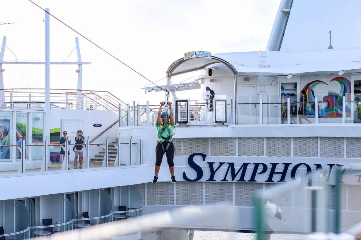 symphony of the seas, royal carribean, cruise, mom getaway, family cruise, best cruise, bahamas, nassau, family friendly cruise, travel, trip, mommy blog, mom blogger, family blog, family influencer, instagram, mother, father, tween blog, dad blog, travel family blog, United States, family travel blogs, 2018, mom blog, top, best, mommy blogger, daddy blog, tween blogger, child brand influencer, the super mom life, dad blog, dad blogger