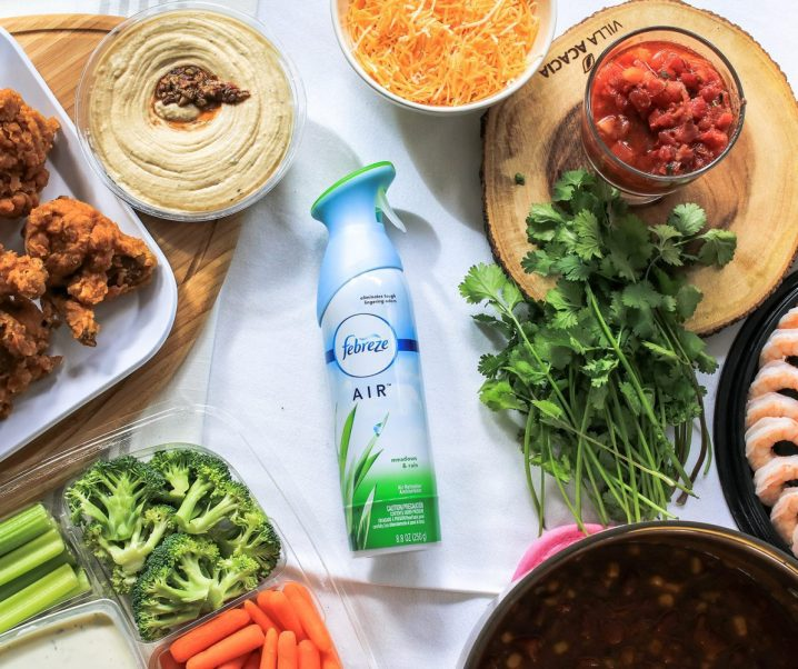How to Throw the Easiest Super Bowl Party PLUS The Easiest Vegetarian Chili Recipe