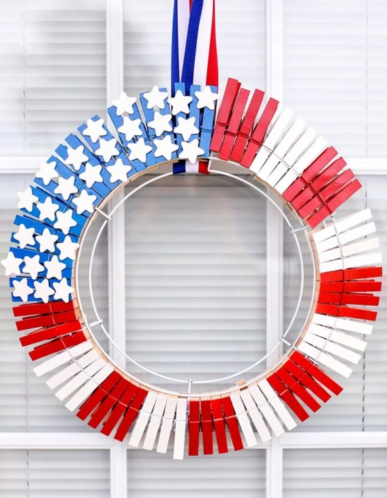 Easy and Fun American Flag Wreath Tutorial