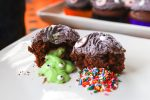 trick or treat halloween cupcake with pudding slime and rainbow sprinkles center