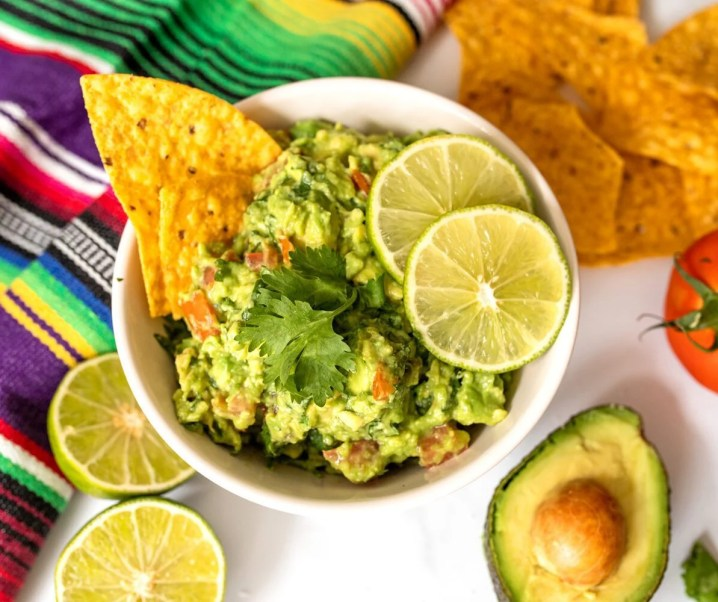 Easy Homemade Guacamole