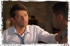 Cas Dean touch Supernatural Into the Mystic