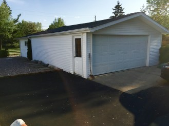 5.5 car garage (front)