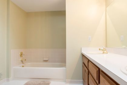 32 Main Bath