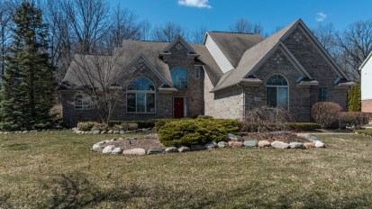 SOLD – 2361 River Woods Dr, Canton Twp