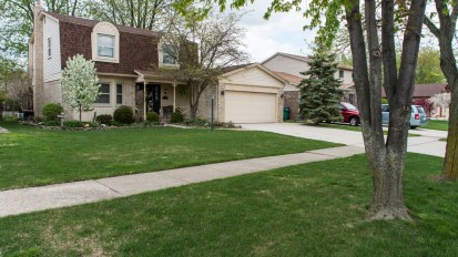SOLD – 16823 White Plains, Macomb