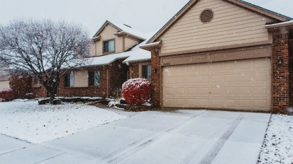 SOLD – 16822 Country Ridge, Macomb Twp