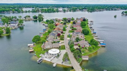 212 Park Island, Lake Orion Village