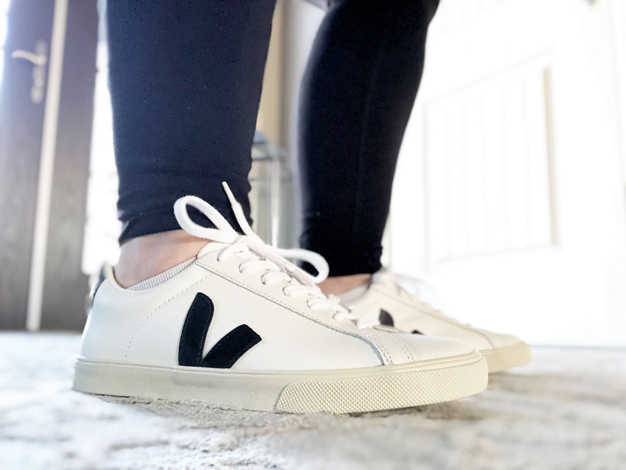 Best Minimalist White Sneaker | Veja Esplar