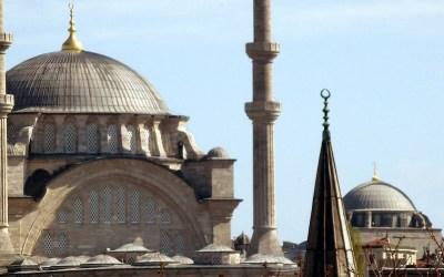 La rose et la tulipe, carnet de voyage à Istanbul 12 : Sur les toits du caravansérail de la sultane Valide (Büyük Valide Han)