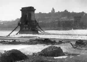Takács István - Széchenyi Lánchíd, Budapest - Pont des chaînes (3 février 1946)