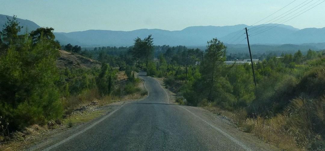 Dans la vapeur blanche des jours sans vent (Carnet de voyage en Turquie – 6 août) : La route d'Arycanda et les mantı