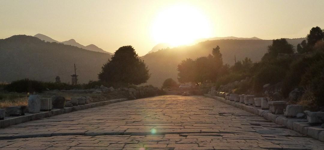 Dans la vapeur blanche des jours sans vent (Carnet de voyage en Turquie — 11 août) : Patara et Xanthos, les grandes cités lyciennes