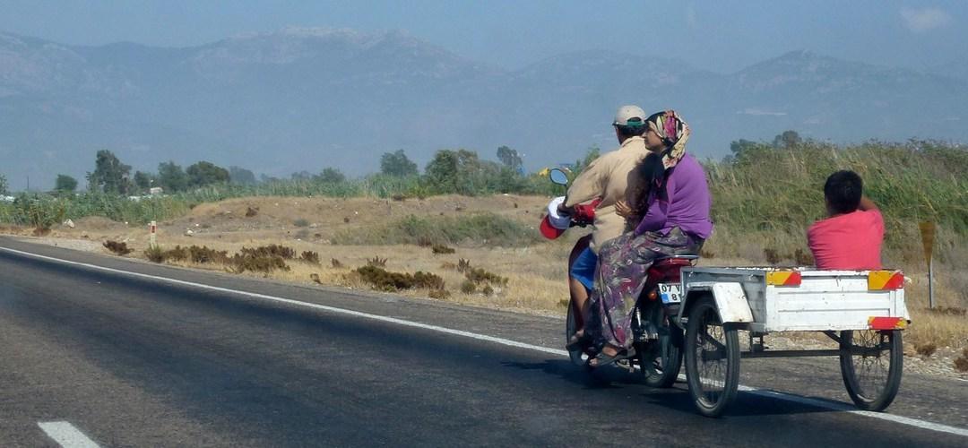 Dans la vapeur blanche des jours sans vent (Carnet de voyage en Turquie – 12 août) : Retour à Antalya, en passant par le Mont Chimère (Yanartaş) et l'arrivée à Nevşehir