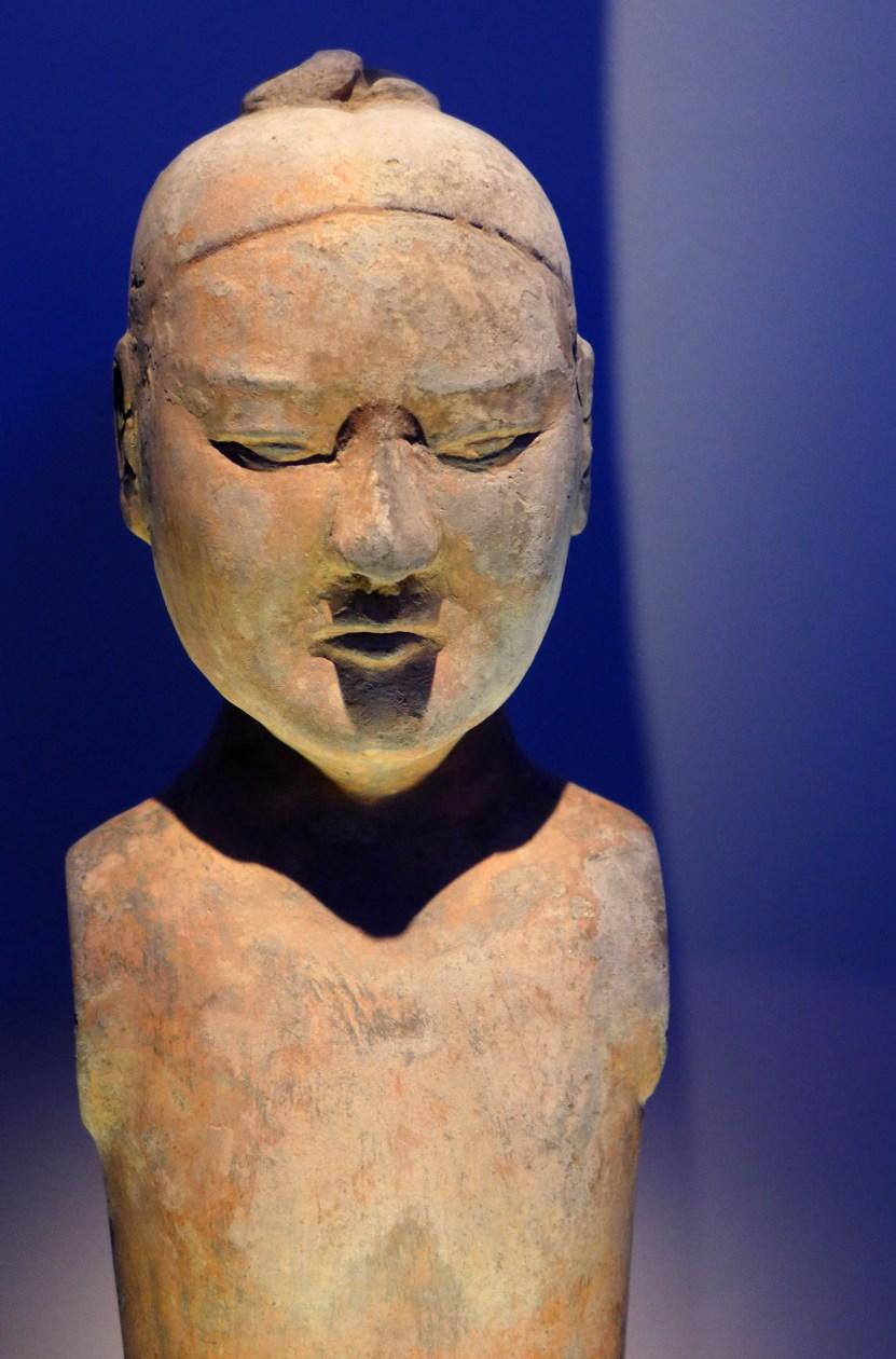 Splendeurs des Han - Musée Guimet - 03 - Statuette en terre