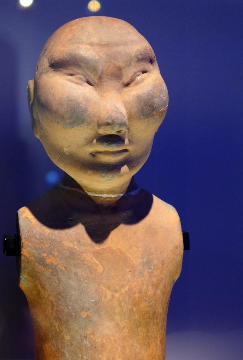 Splendeurs des Han - Musée Guimet - 05 - Statuette en terre - Chevalier