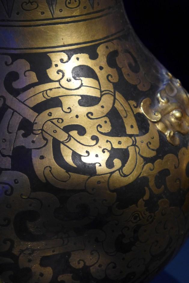 Splendeurs des Han - Musée Guimet - 12 - Vase Hu - détail
