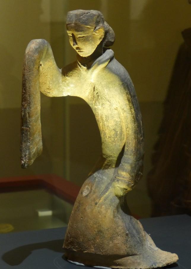 Splendeurs des Han - Musée Guimet - 22 - Statuette de danseuse en terre