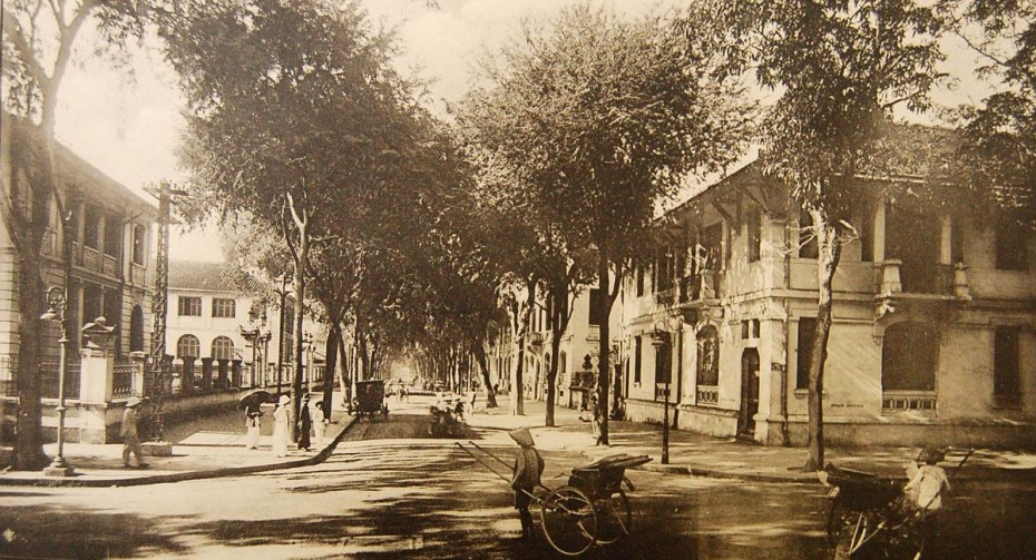 Rue Catinat, Saïgon - Souvenirs de la Cochinchine et du Cambodge par L. Crespin - 1922