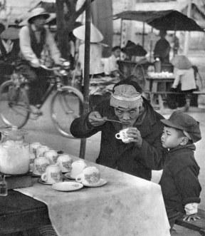 Hanoi - Scène de rue - 1959 - Rév Miklós 3