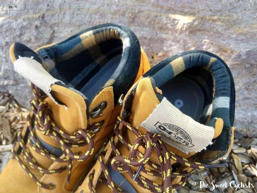 DZR S24O shoes - interior