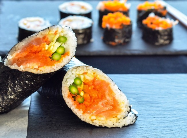 making sushi burrito at home