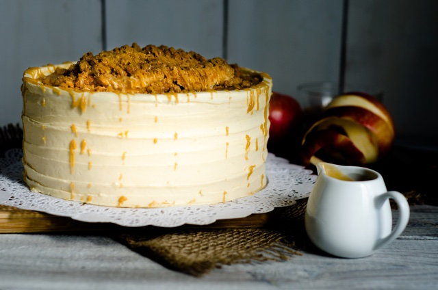 caramel-apple-streusel-cake-tse
