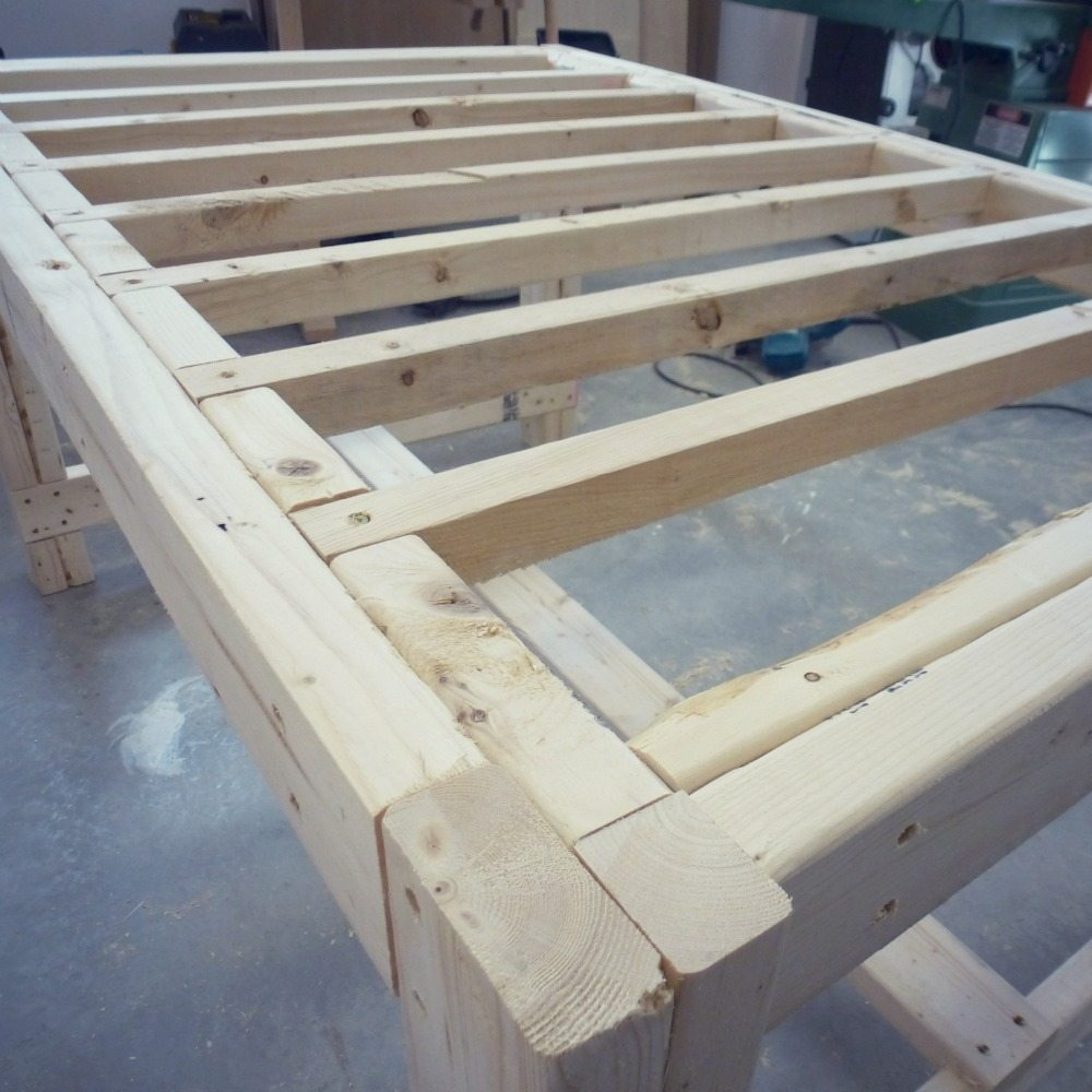 Building A DIY Harvest Table With Ana White Plans The