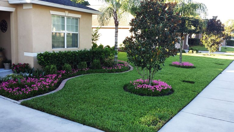 15 Awesome Front Yard Landscaping Ideas on Landscape Front Yard Ideas  id=52850