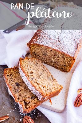 Aprende a hacer el más suave, poroso y humedito Pan de Plátano. Con esta receta fácil siempre obtendrás un riquísimo pan de plátano, y lo mejor de todo es que le puedes añadir casi lo que quieras: nueces, chocolatitos, arándanos, coco, nutella... ¡en serio, lo que quieras!