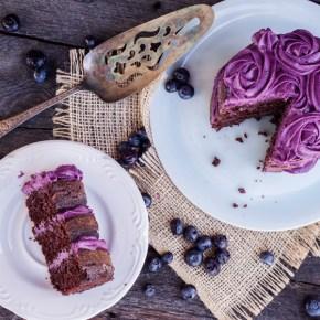 PASTEL PARA DOS: NAKED CAKE DE CHOCOLATE CON FROSTING DE MORAS