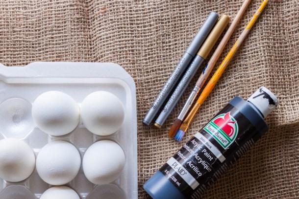diy huevos de pascua en negro y dorado - materiales
