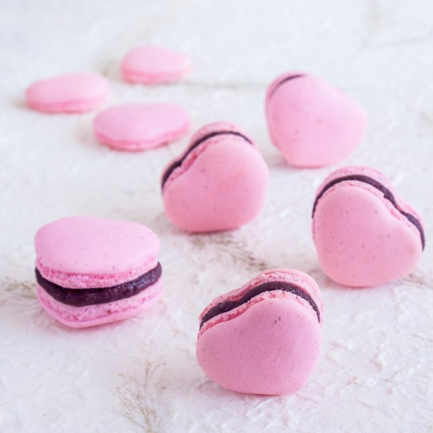 Macarons de Corazón rellenos de Nutella - 9 ideas fáciles para celebrar un #DulceSanValentín