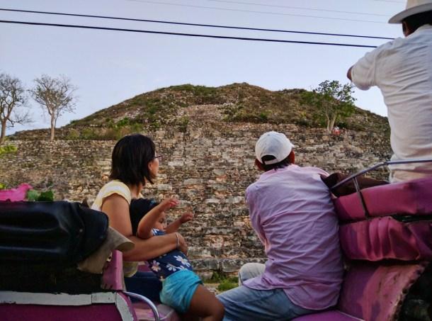 Vista de la Pirámide de Itzamatul