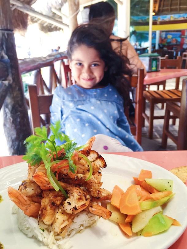 Camarones al mojo de ajo, Eladio's, Puerto Progreso, Yucatán