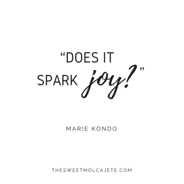 """Quote de Marie Kondo: """"does it spark joy?"""""""