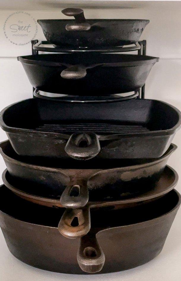 organizador de sartenes de hierro forjado o cast iron