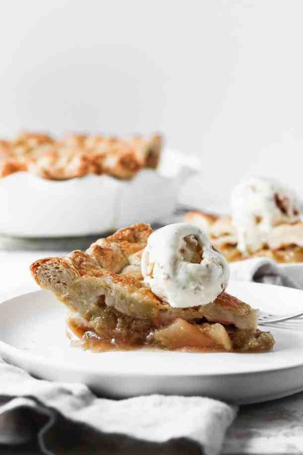 Rhubarb Apple Pie-2
