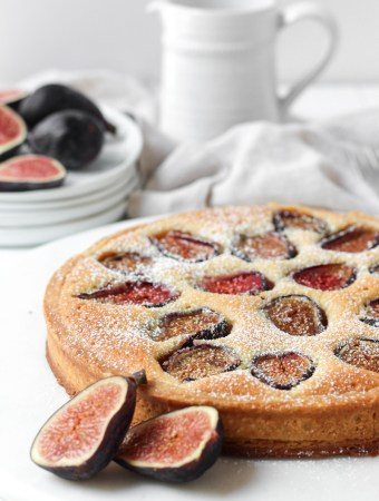 Fresh fig tart with an almond cream filling.