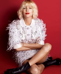 (Photo: Mert Alas and Marcus Piggott for Vogue)