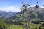 Wjazd na Trüebsee, jest wysoko, a wagoniki przyjemnie huśta wiatr...